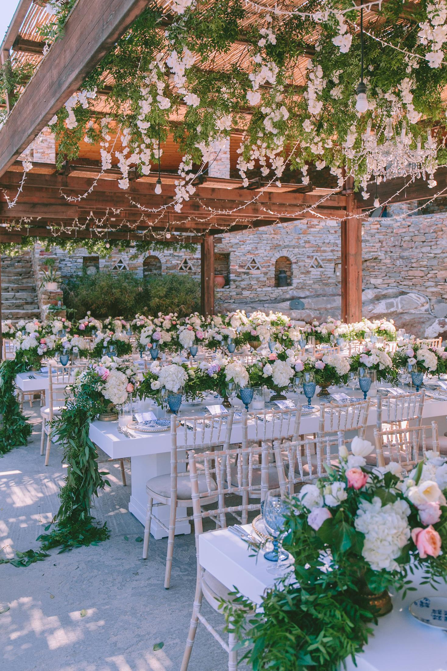 A island wedding in Sifnos by wedding planner in Greece Riviera Blu Events