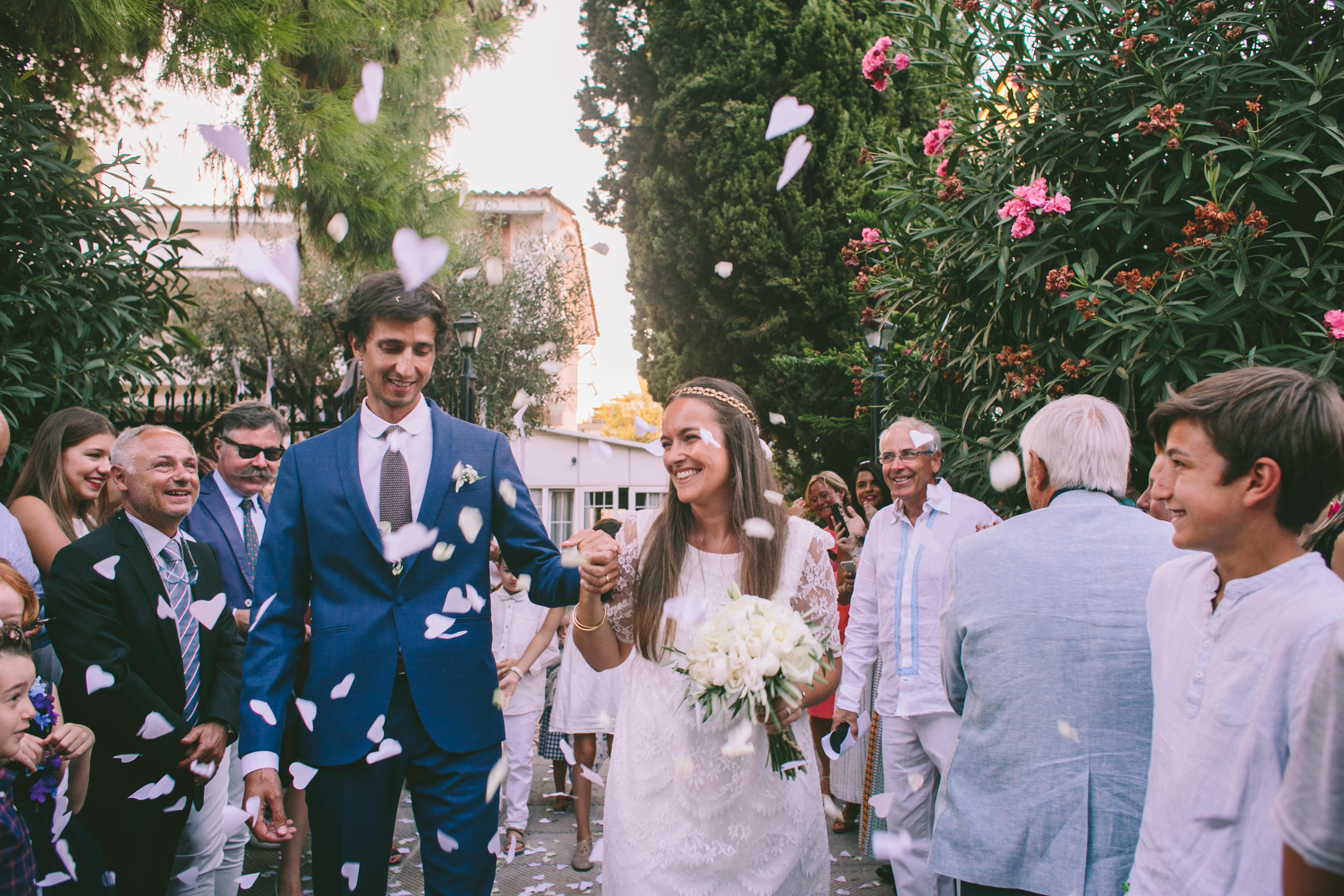 Confetti with hearts destination wedding in Greece