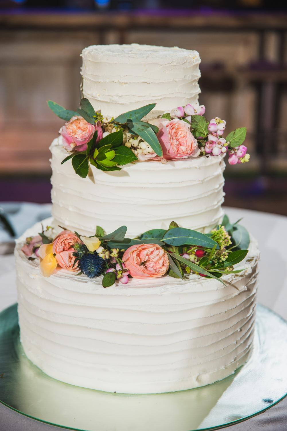 Marsala wedding cake in Greece's countryside