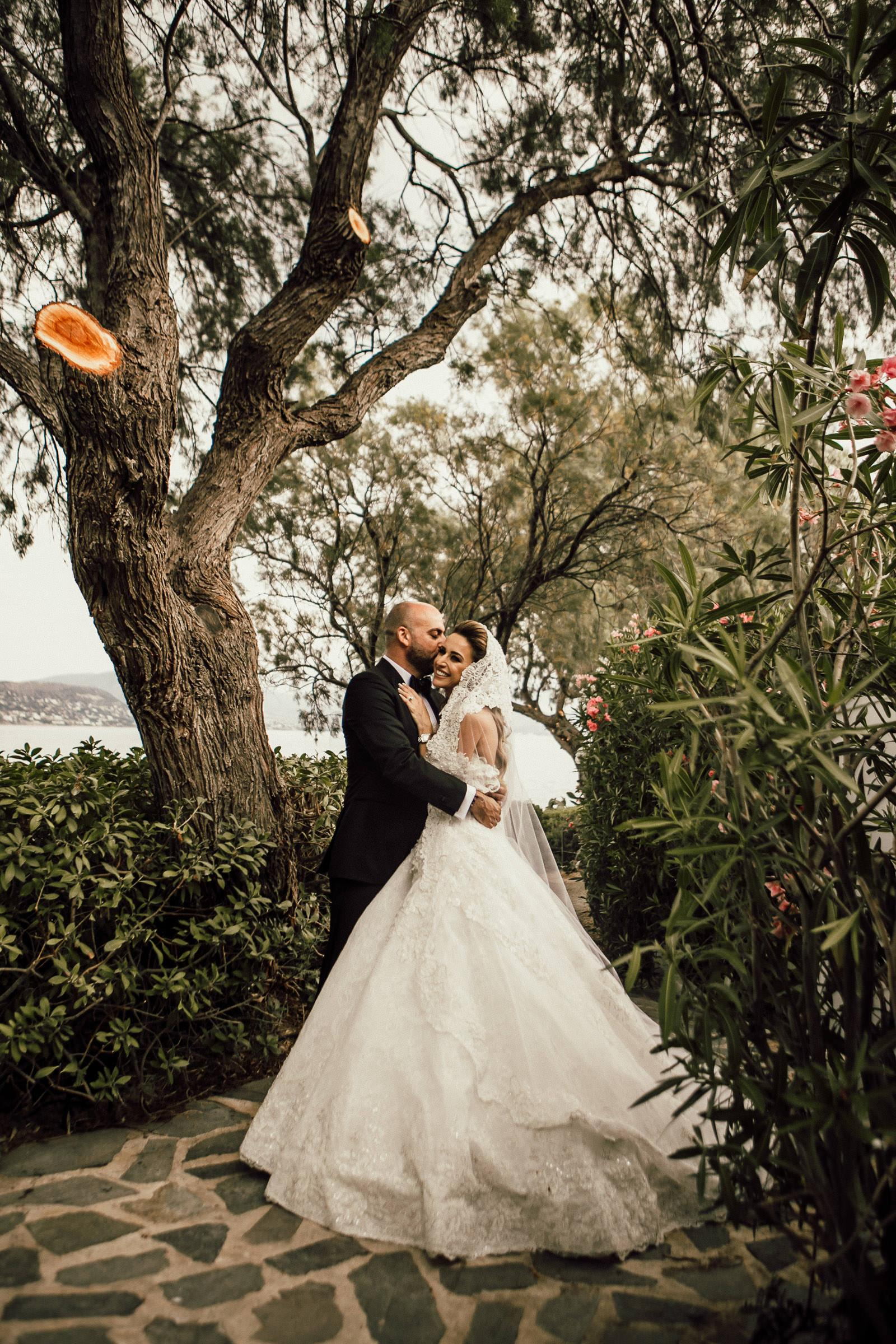 Luxurious destination wedding at Island Athens Riviera in Greece